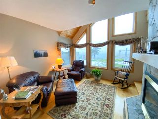 Photo 2: 2003 CLIFFSIDE Lane in Squamish: Hospital Hill House for sale : MLS®# R2430342