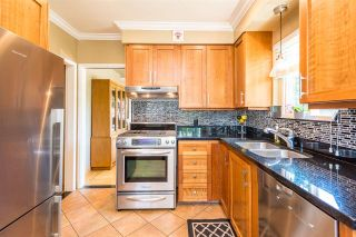 "Photo 6: 7391 NEWCOMBE Street in Burnaby: East Burnaby House for sale in ""BURNABY EAST"" (Burnaby East)  : MLS®# R2284034"
