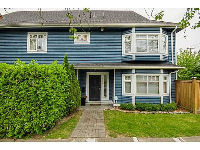 Main Photo: 2608 ST CATHERINES ST in Vancouver: Mount Pleasant VE Condo for sale (Vancouver East)  : MLS®# V1076517