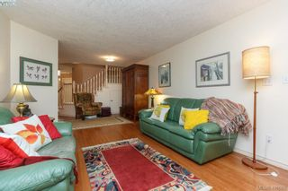 Photo 4: 19 500 Marsett Pl in VICTORIA: SW Royal Oak Row/Townhouse for sale (Saanich West)  : MLS®# 801524