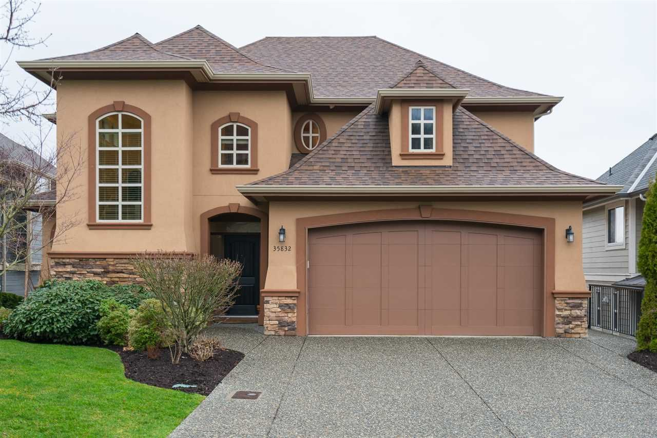 """Main Photo: 35832 TREETOP Drive in Abbotsford: Abbotsford East House for sale in """"Highlands"""" : MLS®# R2236757"""