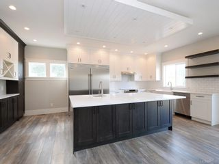 Photo 2: 924 Blakeon Pl in : La Olympic View House for sale (Langford)  : MLS®# 861335