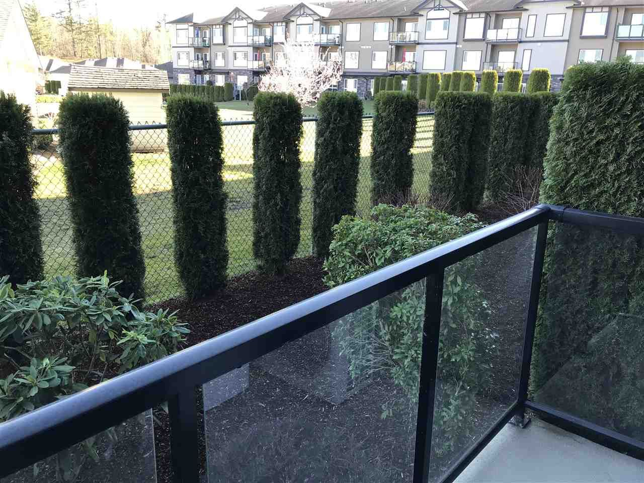 """Photo 13: Photos: A117 33755 7TH Avenue in Mission: Mission BC Condo for sale in """"The Mews"""" : MLS®# R2352904"""