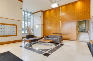 """Photo 3: 2006 930 CAMBIE Street in Vancouver: Yaletown Condo for sale in """"PACIFIC PLACE LANDMARK 11"""" (Vancouver West)  : MLS®# R2548377"""