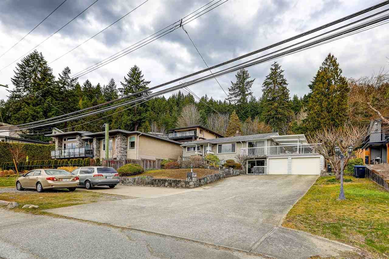 Main Photo: 843 IOCO Road in Port Moody: Barber Street House for sale : MLS®# R2507943