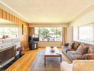 Photo 7: 2426 E GEORGIA Street in Vancouver: Renfrew VE House for sale (Vancouver East)  : MLS®# R2589923