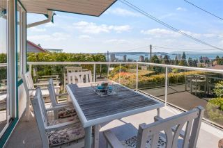 Photo 5: 1380 21ST Street in West Vancouver: Ambleside House for sale : MLS®# R2570157