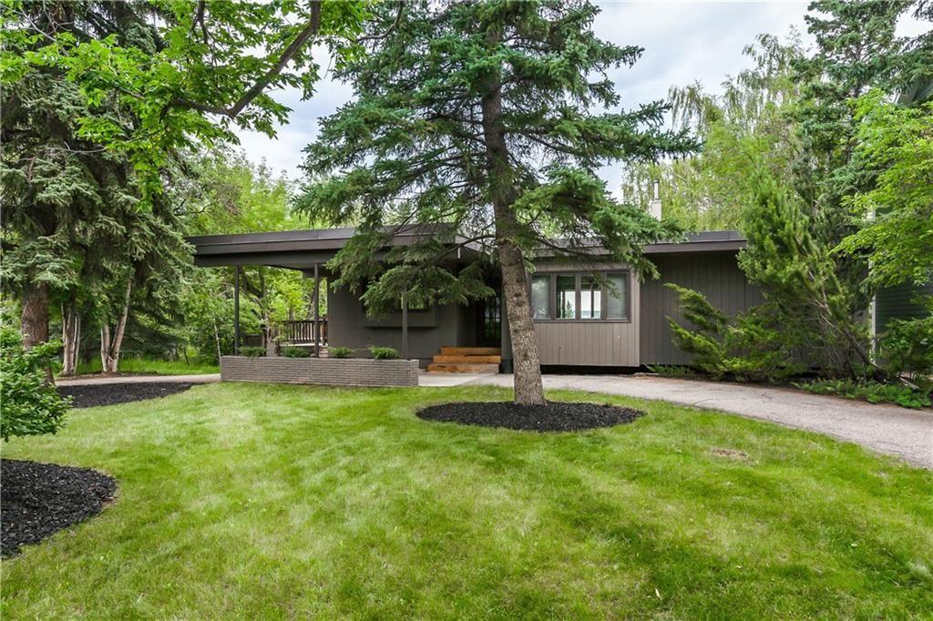 Main Photo: 74 WILDWOOD Drive SW in Calgary: Wildwood Detached for sale : MLS®# A1071436
