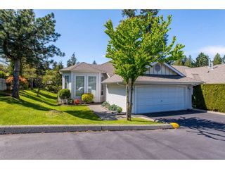 """Photo 1: 100 20655 88 Avenue in Langley: Walnut Grove Townhouse for sale in """"Twin Lakes"""" : MLS®# R2398426"""