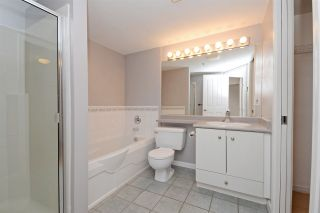 """Photo 12: C1 332 LONSDALE Avenue in North Vancouver: Lower Lonsdale Condo for sale in """"The Calypso"""" : MLS®# R2198607"""
