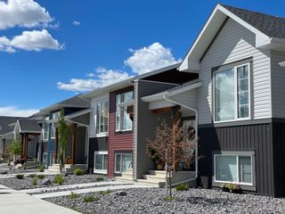 Main Photo: 69 Ellington Crescent: Red Deer Row/Townhouse for sale : MLS®# A1128216
