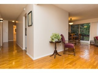 """Photo 4: 911 555 W 28TH Street in North Vancouver: Upper Lonsdale Condo for sale in """"CEDAR BROOKE VILLAGE"""" : MLS®# R2027545"""
