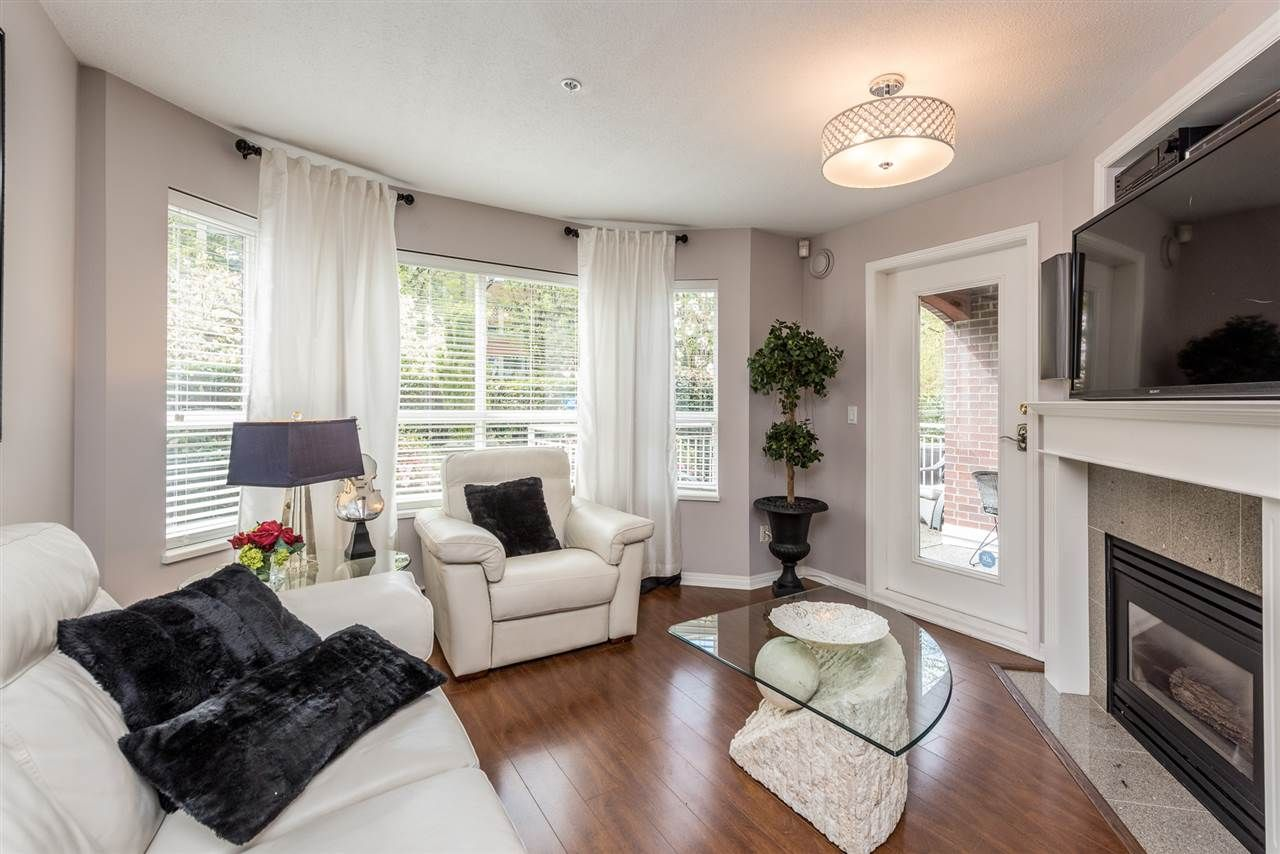 """Photo 2: Photos: 101 130 W 22 Street in North Vancouver: Central Lonsdale Condo for sale in """"THE EMERALD"""" : MLS®# R2159416"""