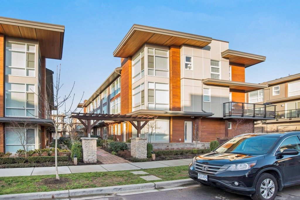 """Main Photo: 45 16223 23A Avenue in Surrey: Grandview Surrey Townhouse for sale in """"BREEZE"""" (South Surrey White Rock)  : MLS®# R2026698"""