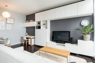 Photo 3: 102 150 ATHLETES Way in Vancouver West: False Creek Home for sale ()  : MLS®# R2250562