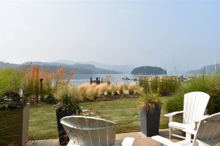 "Photo 8: 5915 BEACHGATE Lane in Sechelt: Sechelt District Townhouse for sale in ""Edgewater"" (Sunshine Coast)  : MLS®# R2536121"