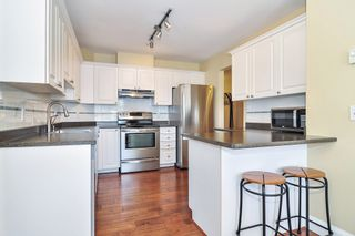 "Photo 6: 302 9018 208 Street in Langley: Walnut Grove Condo for sale in ""Cedar Ridge"" : MLS®# R2478634"