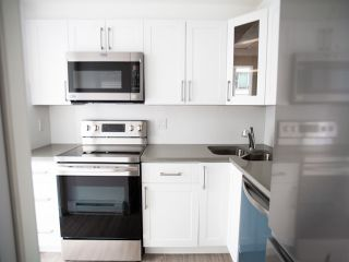 "Photo 11: 2308 1166 MELVILLE Street in Vancouver: Coal Harbour Condo for sale in ""ORCA PLACE"" (Vancouver West)  : MLS®# R2570672"