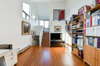 """Photo 15: 706 MILLYARD in Vancouver: False Creek Townhouse for sale in """"Creek Village"""" (Vancouver West)  : MLS®# R2550933"""