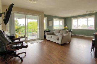 """Photo 3: 204 46262 FIRST Avenue in Chilliwack: Chilliwack E Young-Yale Condo for sale in """"The Summit"""" : MLS®# R2573798"""