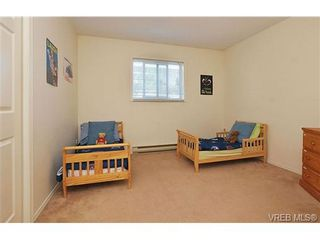 Photo 13: 1270 Lidgate Crt in VICTORIA: SW Strawberry Vale House for sale (Saanich West)  : MLS®# 643808