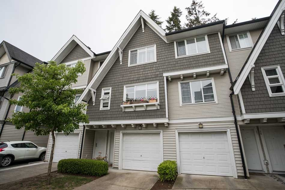 "Main Photo: 48 15871 85 Avenue in Surrey: Fleetwood Tynehead Townhouse for sale in ""HUCKLEBERRY"" : MLS®# R2067499"