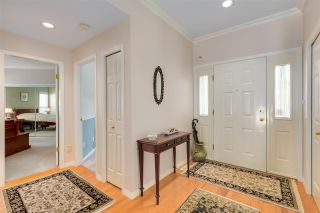 """Photo 3: 11 1881 144 Street in Surrey: Sunnyside Park Surrey Townhouse for sale in """"Brambley Hedge"""" (South Surrey White Rock)  : MLS®# R2480598"""