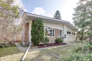 Main Photo: 128 CAPRI Avenue NW in Calgary: Charleswood Detached for sale : MLS®# A1132405