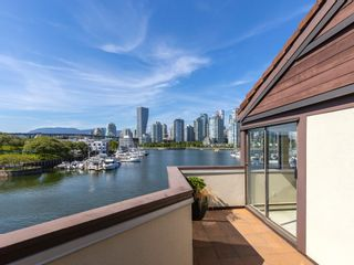 """Photo 22: 1128 IRONWORK PASSAGE in Vancouver: False Creek Townhouse for sale in """"SPRUCE VILLAGE"""" (Vancouver West)  : MLS®# R2382408"""