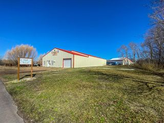 Photo 1: 26077 27 Road North in Grunthal: Industrial / Commercial / Investment for sale (R16)  : MLS®# 202108874