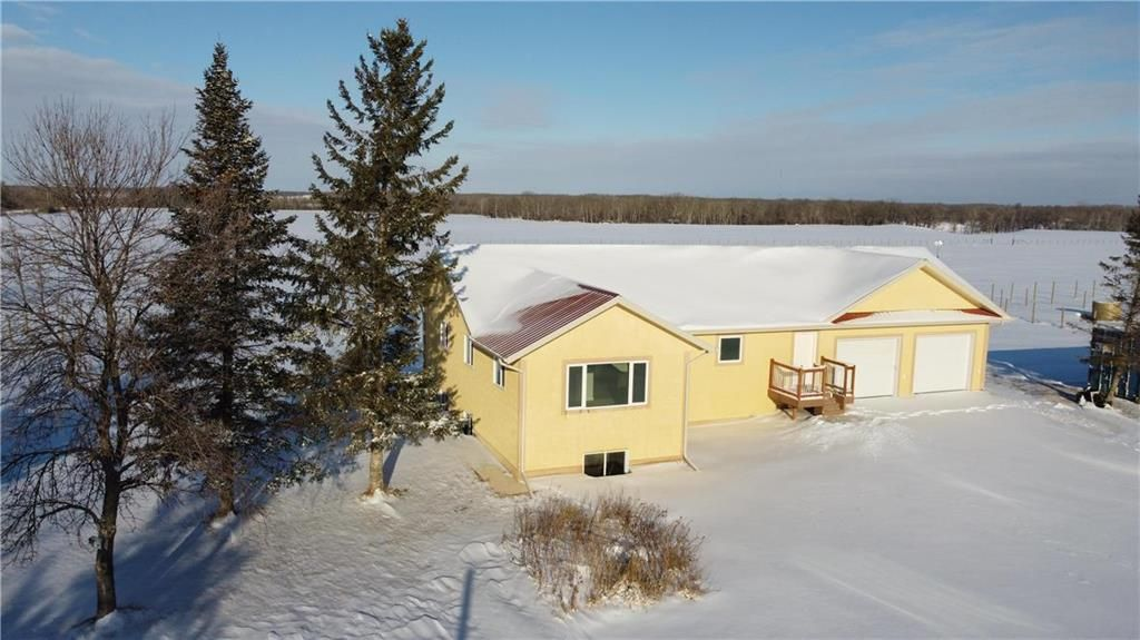 Main Photo: 24056 23E Road in Grunthal: R17 Residential for sale : MLS®# 202029401