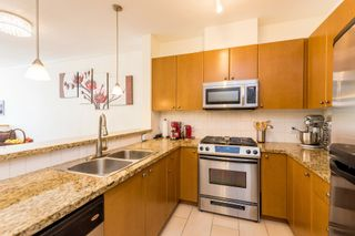 """Photo 6: 407 14 E ROYAL Avenue in New Westminster: Fraserview NW Condo for sale in """"Victoria Hill"""" : MLS®# R2280789"""