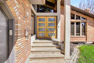 Photo 4: 72 Strathbury Circle SW in Calgary: Strathcona Park Detached for sale : MLS®# A1148517