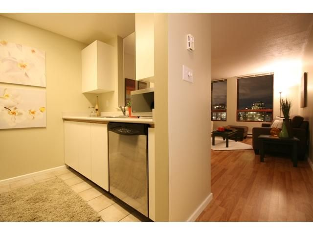 """Photo 5: Photos: 1407 811 HELMCKEN Street in Vancouver: Downtown VW Condo for sale in """"IMPERIAL TOWER"""" (Vancouver West)  : MLS®# V990831"""