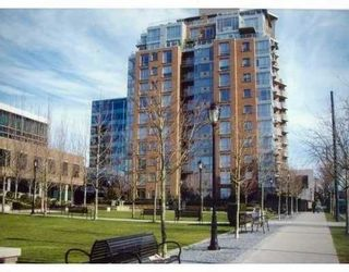 """Photo 1: 903 1575 W 10TH Avenue in Vancouver: Fairview VW Condo for sale in """"THE TRITON"""" (Vancouver West)  : MLS®# V647420"""