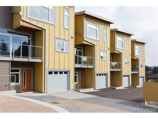 Photo 3: 2 235 Island Hwy in VICTORIA: VR View Royal Row/Townhouse for sale (View Royal)  : MLS®# 694517