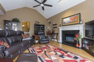 """Photo 7: 33 4001 OLD CLAYBURN Road in Abbotsford: Abbotsford East Townhouse for sale in """"Cedar Springs"""" : MLS®# R2166092"""