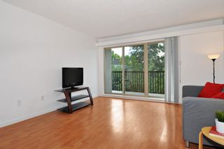 """Photo 3: 311 9847 MANCHESTER Drive in Burnaby: Cariboo Condo for sale in """"Barclay Woods"""" (Burnaby North)  : MLS®# R2317069"""