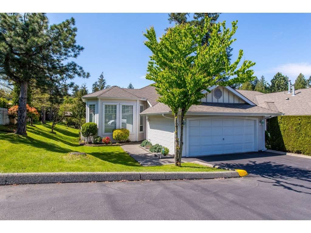 """Main Photo: 100 20655 88 Avenue in Langley: Walnut Grove Townhouse for sale in """"Twin Lakes"""" : MLS®# R2398426"""