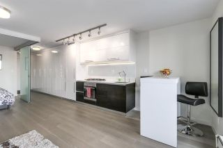 """Photo 4: 711 189 KEEFER Street in Vancouver: Downtown VE Condo for sale in """"KEEFER BLOCK"""" (Vancouver East)  : MLS®# R2217434"""