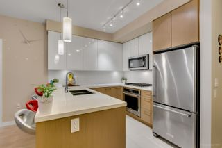 """Photo 6: 108 20 E ROYAL Avenue in New Westminster: Fraserview NW Condo for sale in """"THE LOOKOUT"""" : MLS®# R2237178"""