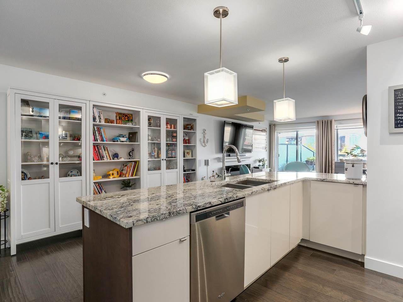 "Photo 9: Photos: 202 14955 VICTORIA Avenue: White Rock Condo for sale in ""SAUSALITO BEACH SIDE LIVING"" (South Surrey White Rock)  : MLS®# R2128764"