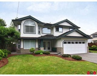 Photo 1: 9074 206TH Street in Langley: Walnut Grove House for sale : MLS®# F2913741