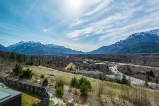 Photo 2: 1982 DOWAD Drive in Squamish: Tantalus House for sale : MLS®# R2553692