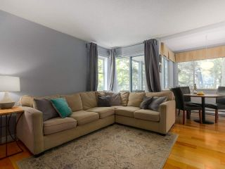 Photo 3: 28 7345 SANDBORNE AVENUE in Burnaby: South Slope Townhouse for sale (Burnaby South)  : MLS®# R2392056