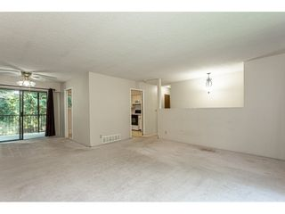 """Photo 5: 3625 208 Street in Langley: Brookswood Langley House for sale in """"Brookswood"""" : MLS®# R2496320"""