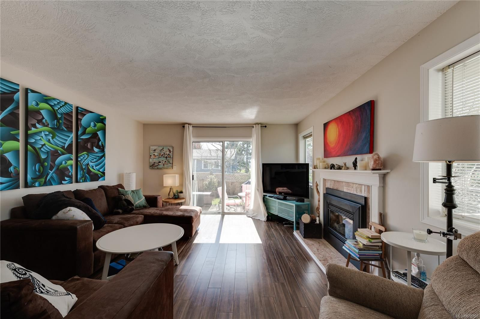 Main Photo: 10193 Fifth St in : Si Sidney North-East Half Duplex for sale (Sidney)  : MLS®# 870750