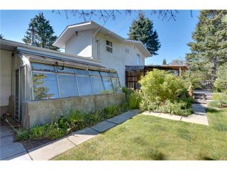 Photo 34: 6444 LAURENTIAN Way SW in Calgary: North Glenmore Park House for sale : MLS®# C4047532