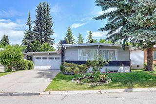 Photo 2: 6 Varslea Place NW in Calgary: Varsity Detached for sale : MLS®# A1122141