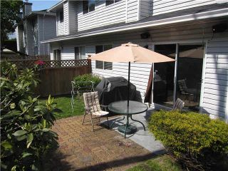 """Photo 13: 105 11255 HARRISON Street in Maple Ridge: East Central Townhouse for sale in """"RIVER HEIGHTS"""" : MLS®# V1107539"""